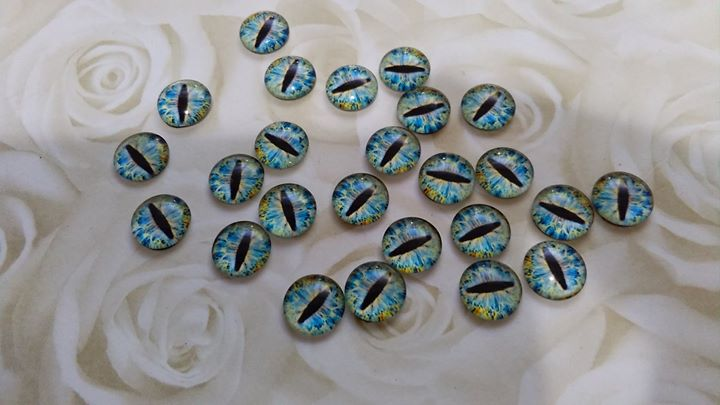 Glass Domed Dragon Eye 8mm Cabochons