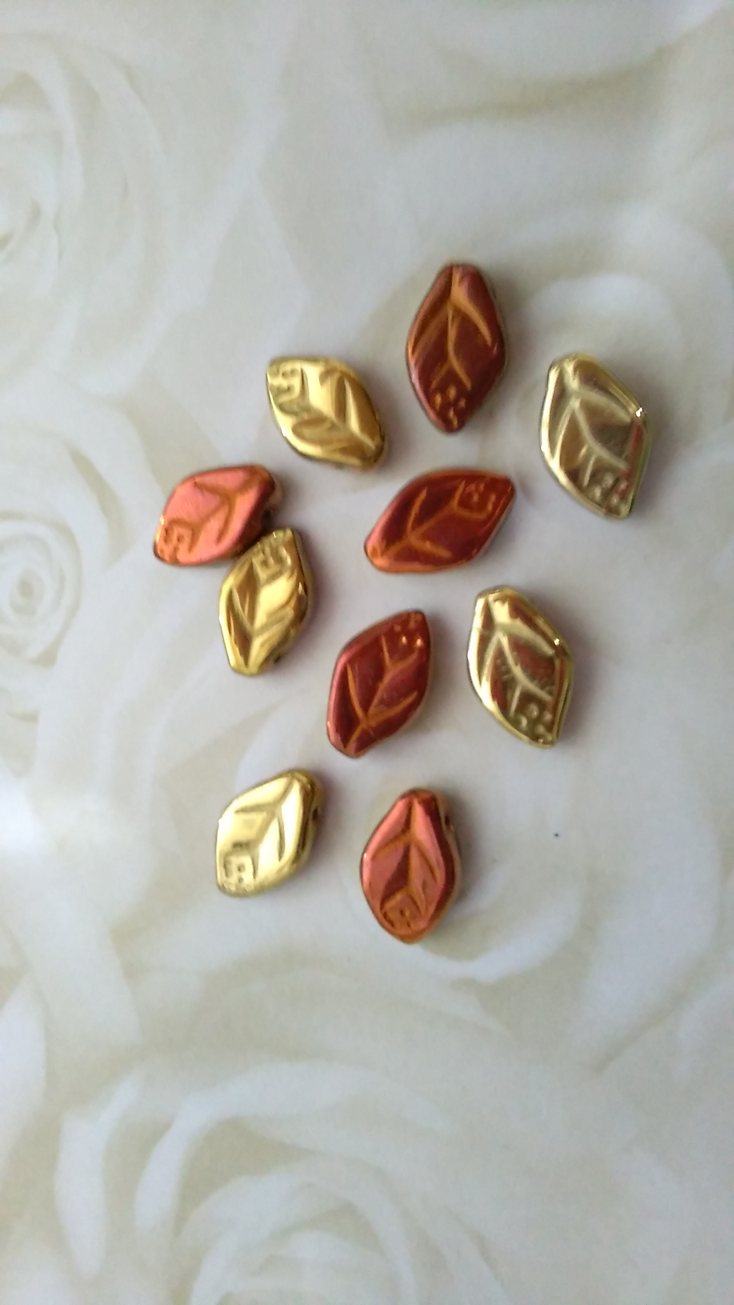 Czech Glass Gold/Bronze Metallic 12x7mm Leaves