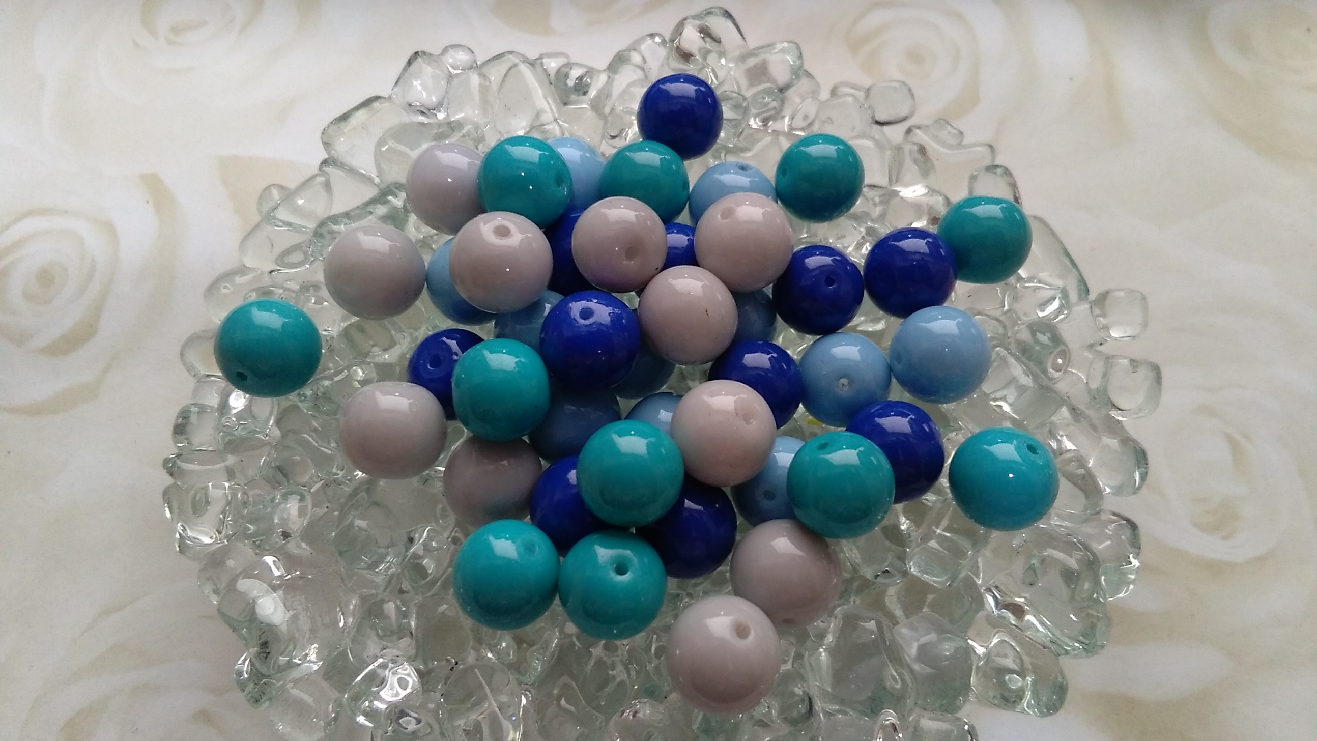 Glossy Glass Blue mix 8mm Beads