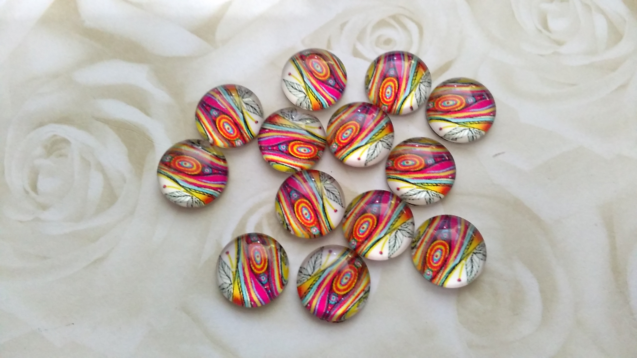 Glass Domed Bright Swirl 12mm Cabochon