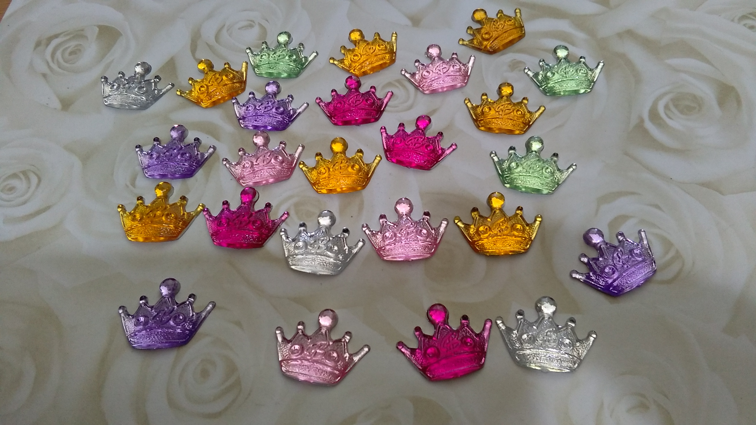 Resin Diva Crown 20mm Cabochons