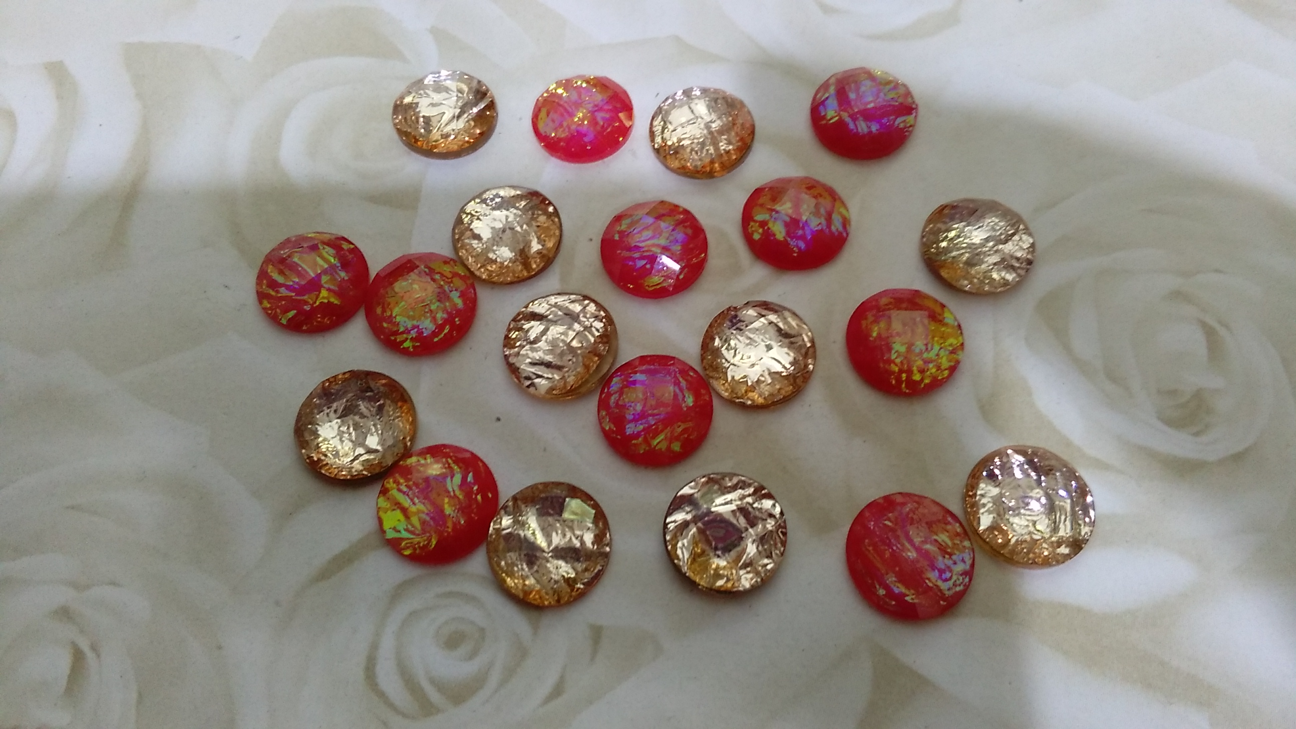 Resin Foil Gold and Red 10mm Cabochons