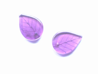 Pale Amethyst Glass Leaf Beads